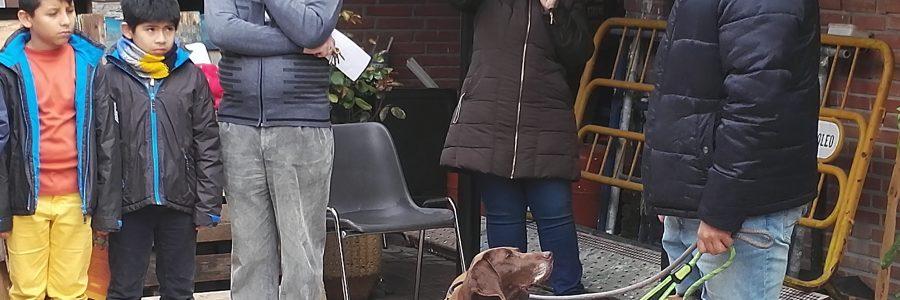 A los niños de catequesis les visitó la protectora de animales